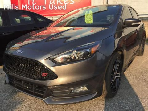 Pre-Owned 2017 Ford Focus ST Hatch